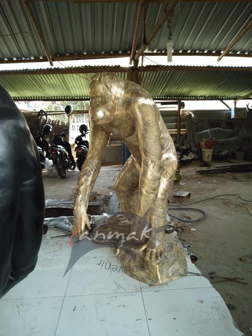 pengrajin patung kuningan
